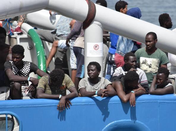 Migranti: a Cagliari uno dei sei nuovi hotspot per la loro identificazione