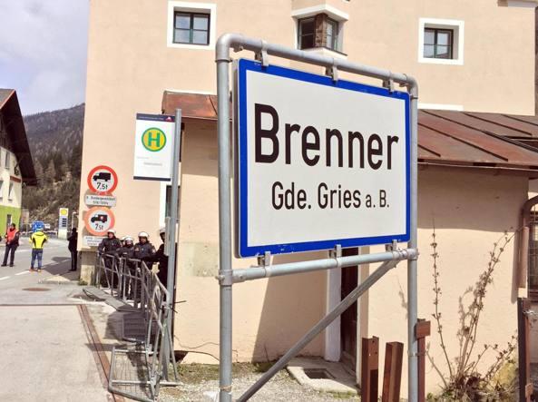L'Austria pronta ad usare l'esercito per fermare i migranti da Italia