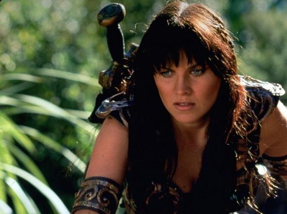 Lucy Lawless: la principessa Xena torna a difendere i più deboli