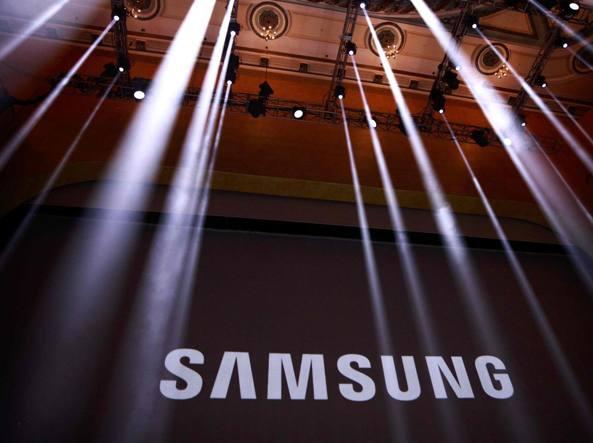 PosteMobile lancia l'offerta per l'acquisto dei Samsung Galaxy S8 e S8 Plus