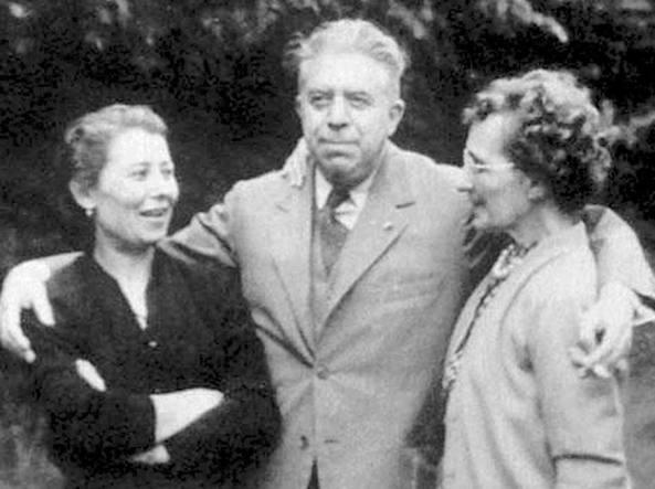 Montale in Normandia nel 1955 tra Gina Triossi e  Drusilla Tanzi