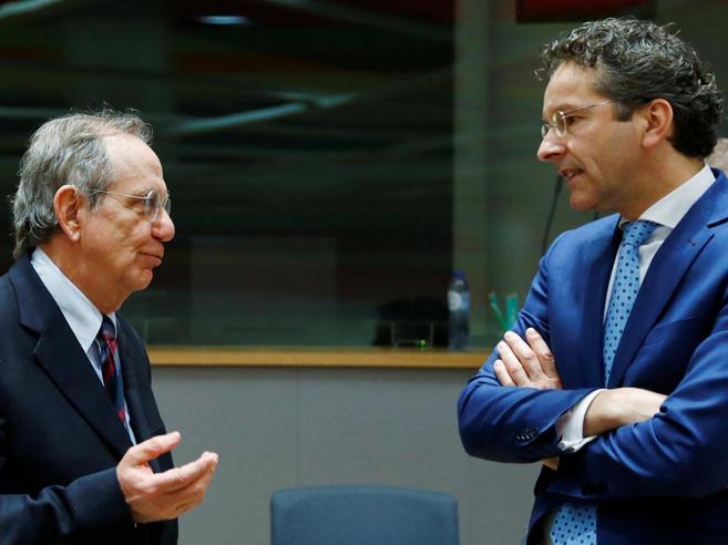 Dijsselbloem boccia Renzi: proposta sul deficit fuori dalle regole. Lui: «Ha pregiudizi»