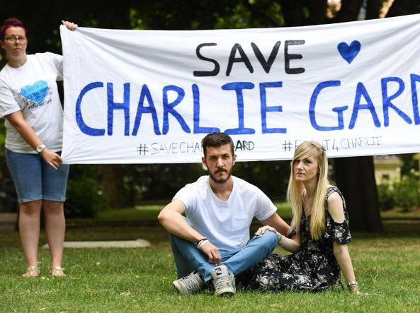 Il giudice dell'Alta Corte britannica ha rinviato la decisione su Charlie Gard