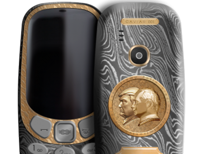 Il Nokia 3310 con i volti di Putin e Trump placcati in oro. E altri smartphone esagerati