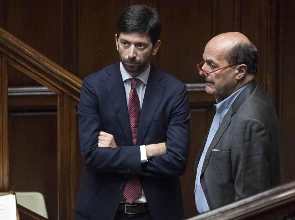 Roberto Speranza e Pier Luigi Bersani (Ansa)