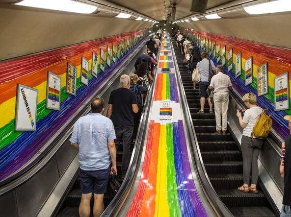 Metropolitana di Londra: il benvenuto ora è con 'Hello everyone'