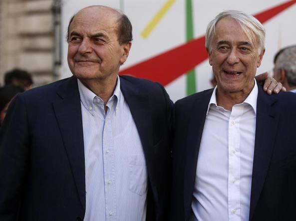 Pier Luigi Bersani e Giuliano Pisapia (Ansa)