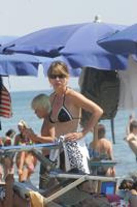 Matrimonio Ultima Spiaggia Capalbio : Capalbio incendio ultima spiaggia i vip che la