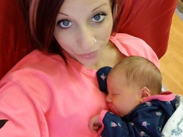 Neonata uccisa a 18 giorni dalla meningite, virus trasmesso con un bacio