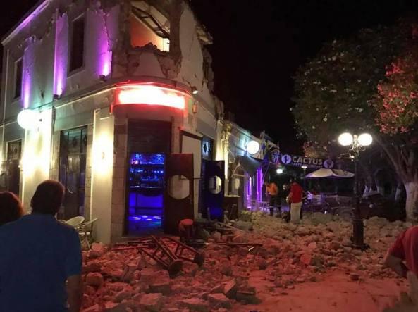 Vacanze spezzate da un terremoto di magnitudo 6.7 tra Grecia e Turchia