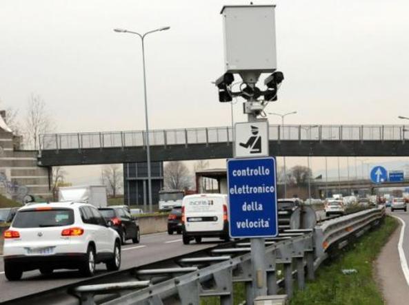 Allarme sulle strade: velocità, cinture e alcol, via alla