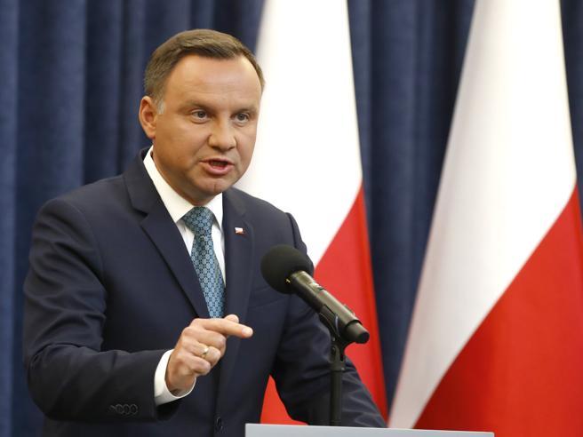 Polonia: presidente Duda respinge riforma della giustizia
