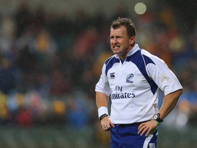 Nigel Owens, il miglior arbitro di rugby al mondo: «Ho la bulimia, abbiate il coraggio di parlarne»