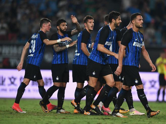 Calcio d'estate, Inter-Lione 1-0 nel test in Cina: in gol Jovetic
