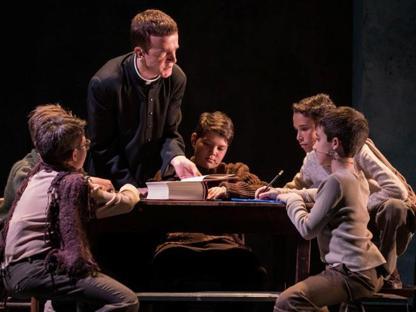 Una scena da «Vangelo secondo Lorenzo», con Alex Cendron che interpreta Milani (foto Ilaria Costanzo)