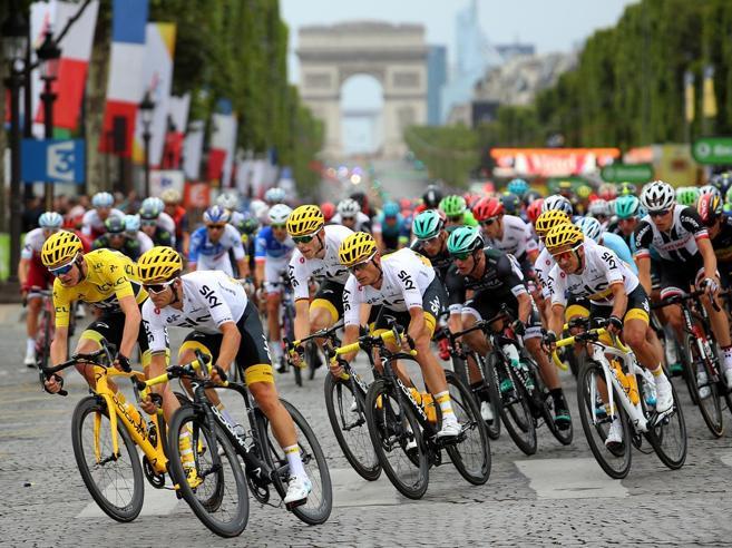Il ciclismo vetrina di un Paese: la lezione del Tour de France