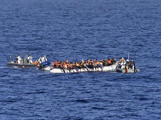 E Juncker scrive a Gentiloni:«Migranti, pronta una task forcecon 500 esperti e 100 milioni»