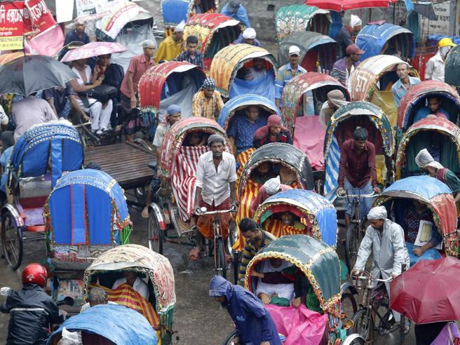 Monsoni in Bangladesh: frane e smottamenti, almeno 40 morti