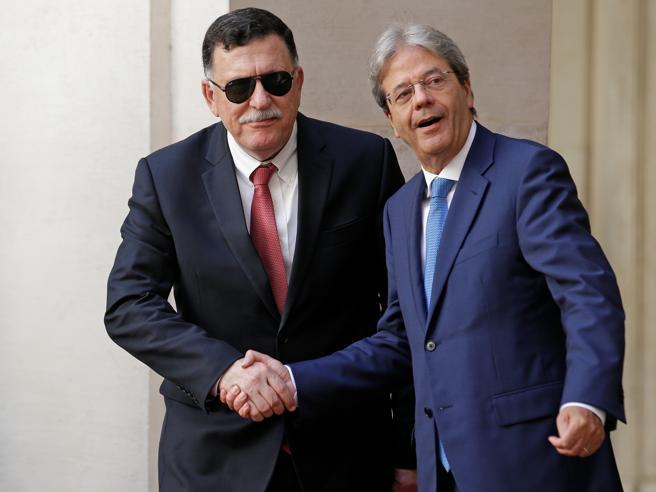 Gentiloni incontra   Sarraj: «Valutiamo l'uso  di navinelle acque della Libia»