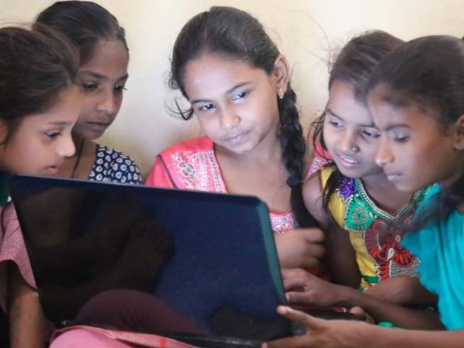 Cosa succede quando le ragazze di una baraccopoli inventano app?