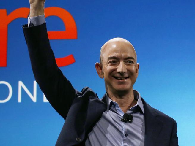 Jeff Bezos tra i più ricchi del mondo. E per un attimo supera anche Bill GatesDal garage ad Amazon Foto