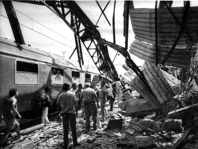 Cosa è successo il 2 agosto 1980? La strage alla stazione di Bologna (tra depistaggi e processi)