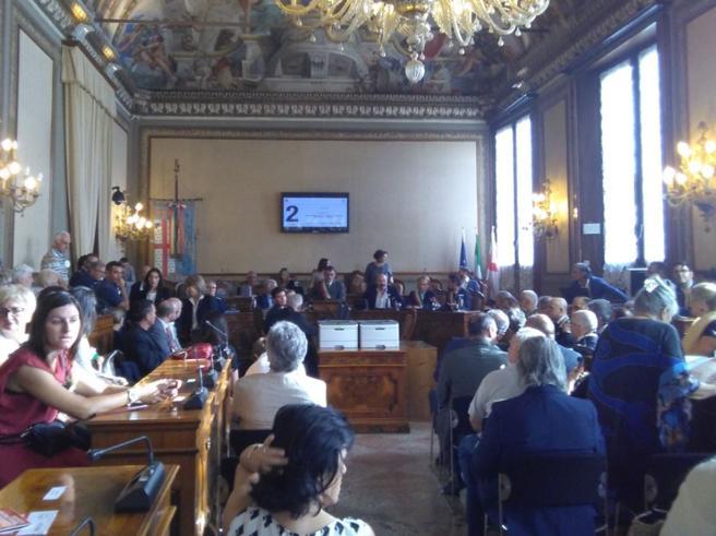Strage di Bologna, parla il ministro I familiari lasciano l'Aula Il video