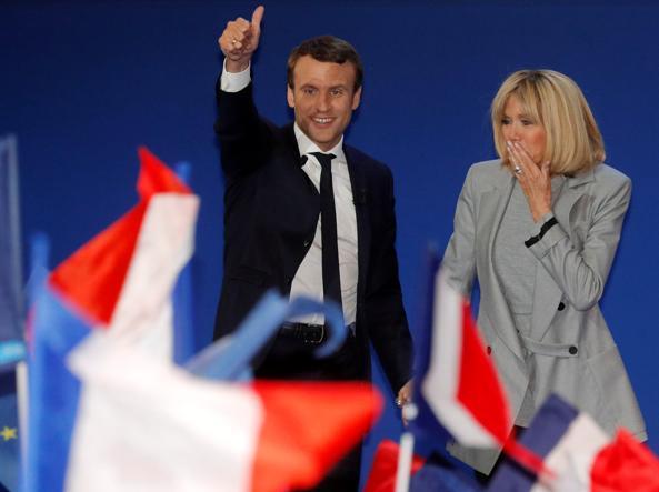 I francesi firmano una petizione contro lo status speciale della Premiére Dame