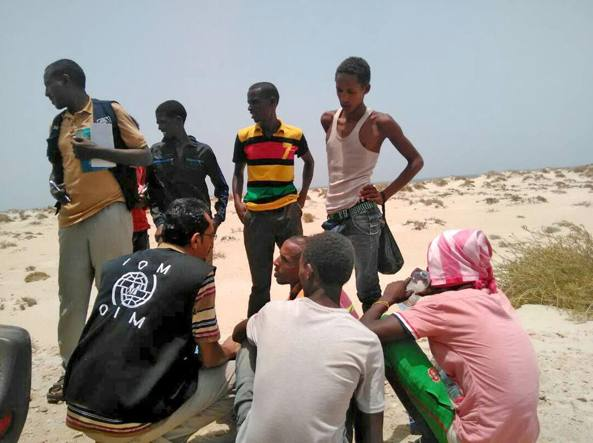 Yemen: 50 morti, trafficante costringe migranti a gettarsi in mare