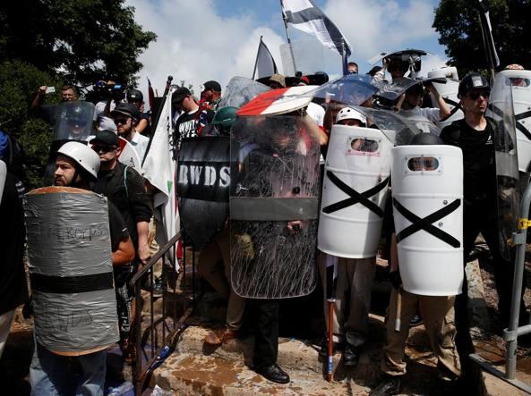 Usa, protesta dei suprematisti bianchi: è stato d'emergenza