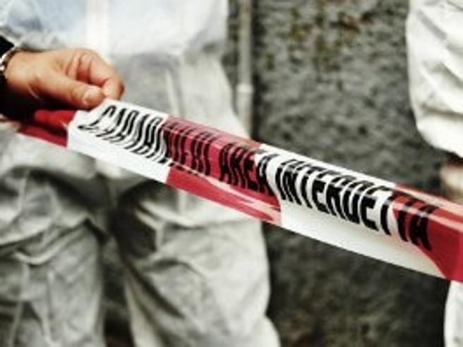 Barile, vigile urbano ucciso davanti casa a colpi di pistola nel Potentino
