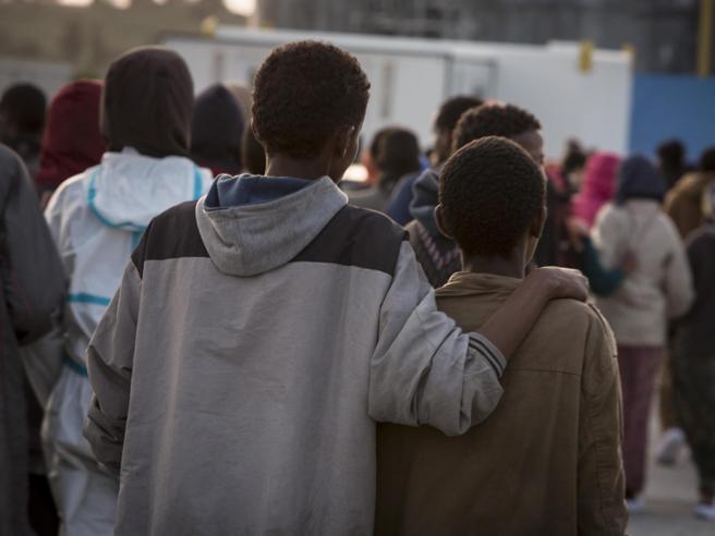 Chiede lo status di rifugiato all'Italia ma è un pirata