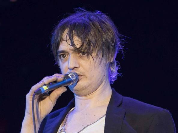 Pete Doherty fermato al confine Italia-Svizzera in possesso di droga