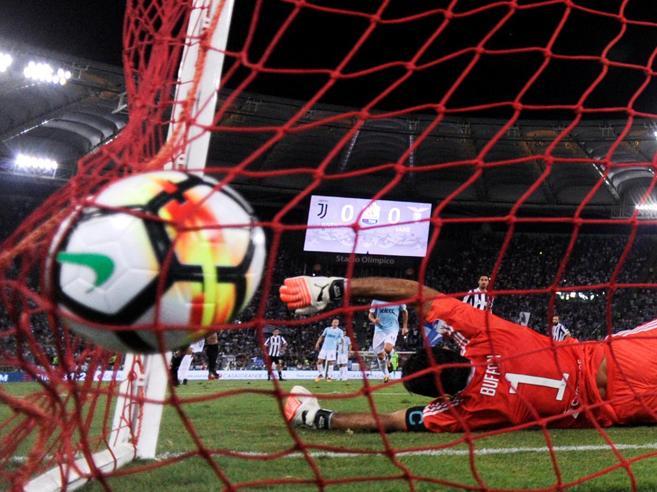 Juventus battuta |  Supercoppa alla Lazio |  il 3-2 segnato all'ultimo del recupero