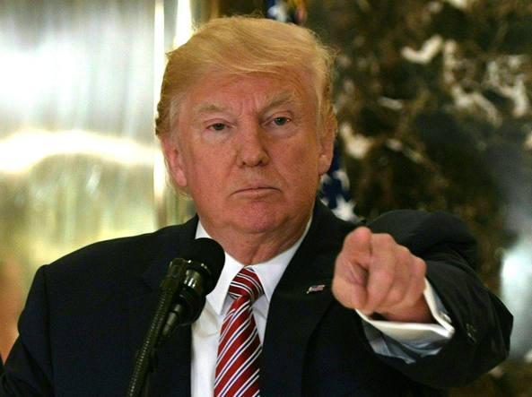 Charlottesville, Donald Trump incolpa entrambe le parti