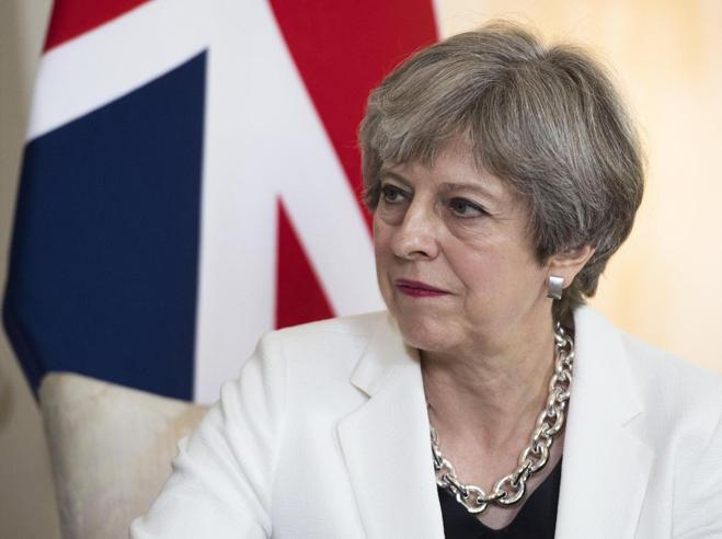 Brexit, la linea del governo May: non ci saranno visti per viaggiatori Ue