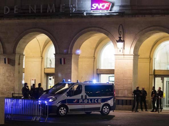 Attacco in Francia alla stazione di Nimes. 2 aggressori in fuga