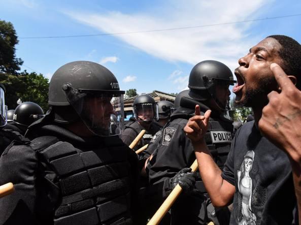 Boston, 27 fermi tra i 40.000 manifestanti contro il razzismo