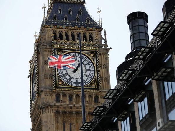 Big Ben rintocca per ultima volta, chiude per restauro