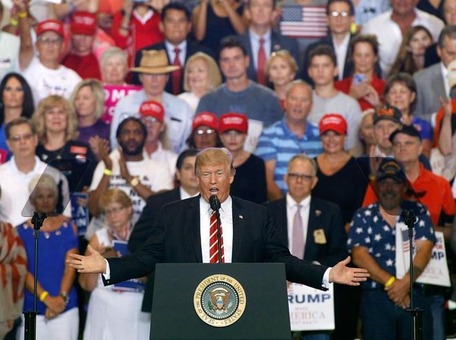 Trump, proteste e scontri a PhoenixLui: «Media disonesti su Charlottesville»
