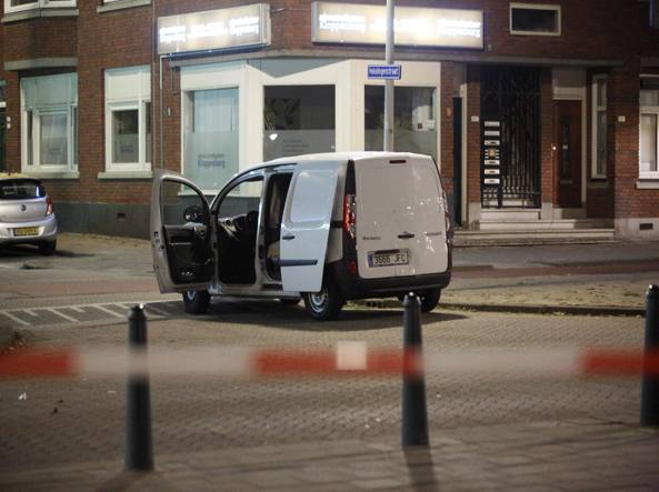 Allarme terrorismo a Rotterdam: furgone sospetto in strada, annullato un concerto