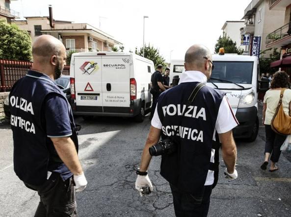 Foggia, assaltarono portavalori sulla A12 con mitra e lampeggianti: arrestati in otto