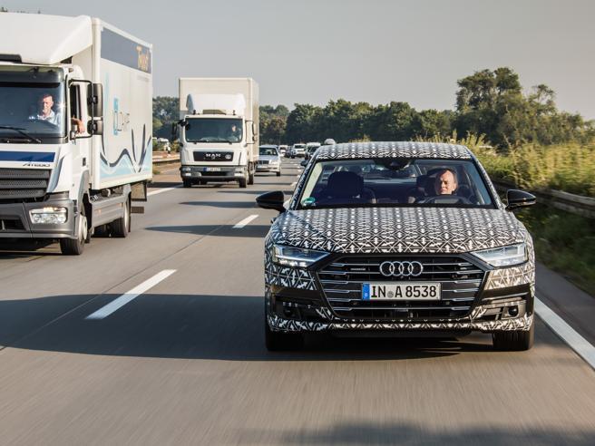 La prova sulla Audi A8 automatica