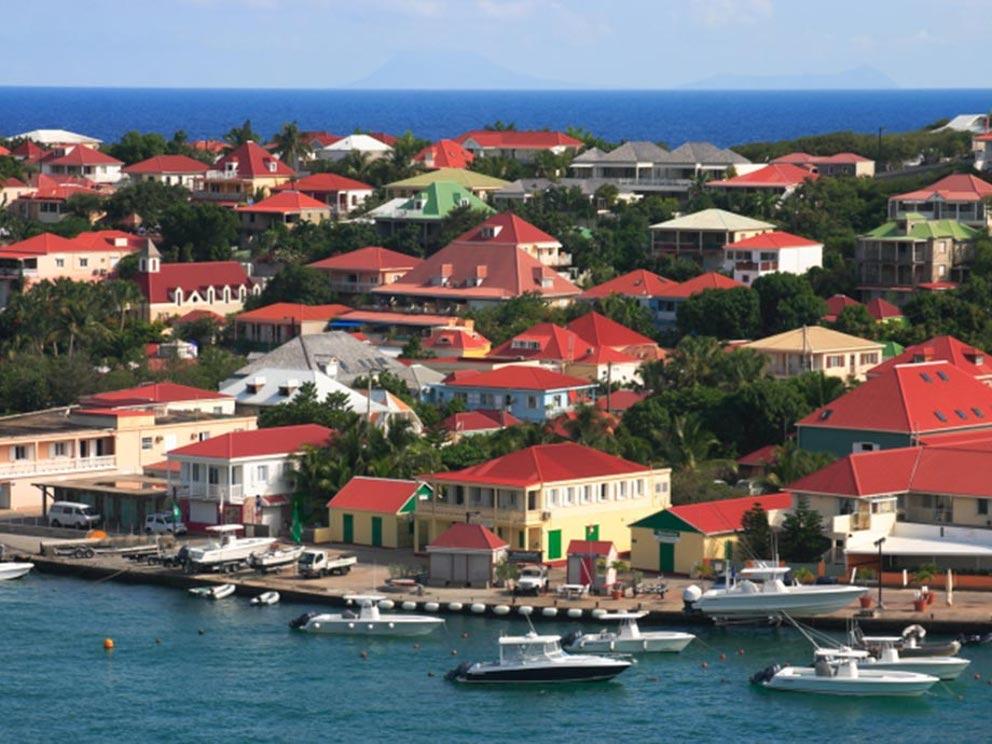 Irma colpisce i caraibi ecco come erano le isole prima for Isola di saint honore caraibi