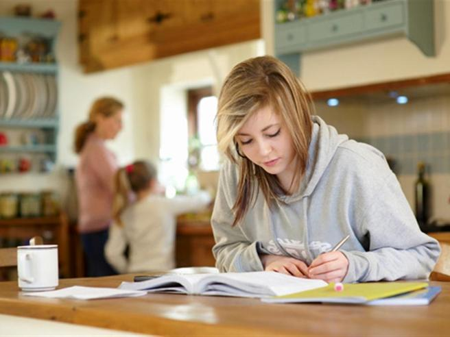 Ritorno a scuola, i video consigli di maestri, professori e presidi