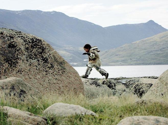 Nella patria degli inuit ora vola il pettirosso|Foto «Non c'è più neve per gli igloo»