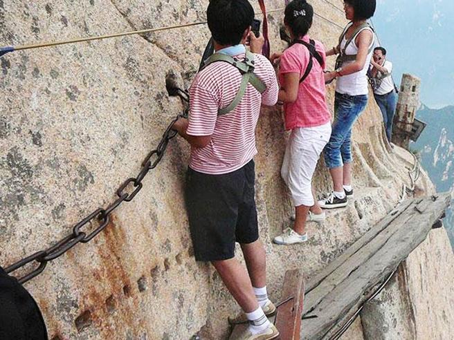 Ecco le escursioni in quota più pericolose del mondo