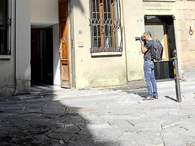 Stupro a Firenze: «Invitati  dalle ragazze» Nel racconto un'ora di buco|Le 2 versioni