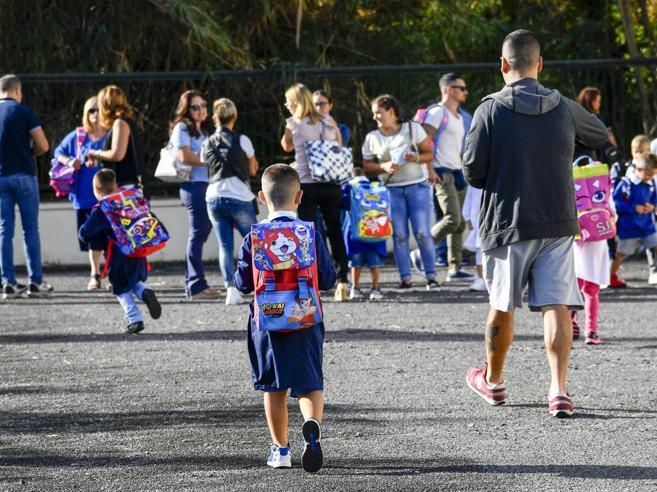 Scuola, bimbi senza vaccini a casa Lorenzin: «Pochissimi casi»