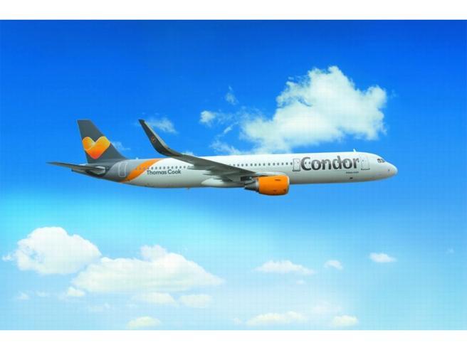 Sesso in cabina  e video segreti: sotto accusa i piloti della Condor Airlines